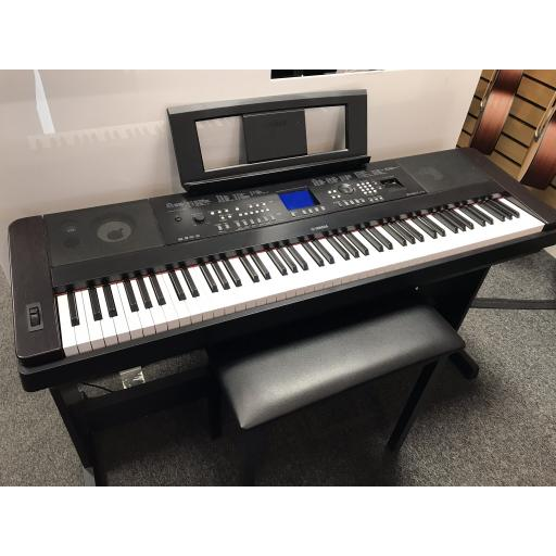 Yamaha DGX650 Digital Piano Pre-Owned